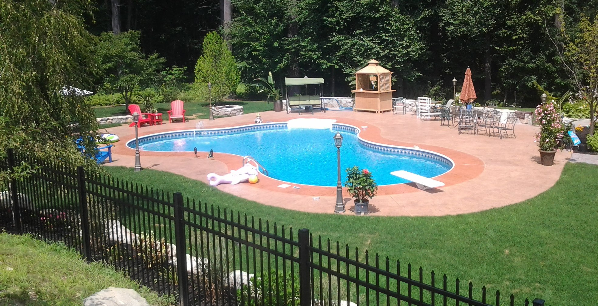 Construction and repair of swimming pools with their own hands: a selection of sites